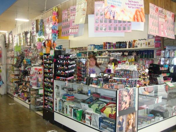 indoor swap meet pomona stores open